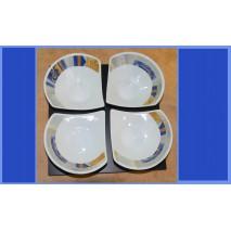 1 ensemble de 4 coupelles Ginko en porcelaine sur plateau bois