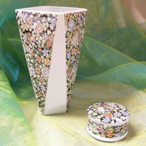 Vase base octogonale décors marbre rouge et or
