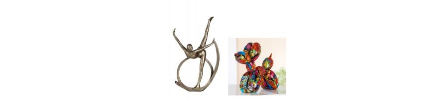 Statuettes et figurines.