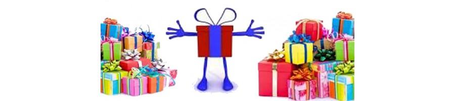idées de cadeaux, originaux, variés, sacs, poupées, mug,